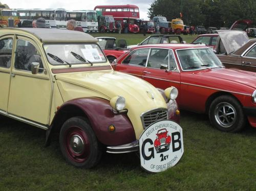 2) Mixing it with other Classic Cars on the Knavesmire
