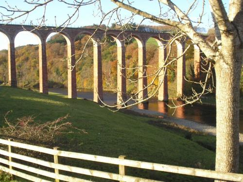 6) Railway viaduct over the river Tweed near Melrose