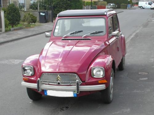 9) 1969 Dyane with front bumper strip
